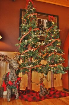 Rustic Cabin Decor, Rustic Christmas, Christmas Decorations, Luxury Cabins with Rustic upscale decor and amenities in Blue Ridge