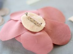 DIY: Fabric Flower Pin - Momtastic