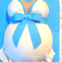 My 1st pregnant belly cake! Very modern baby shower cake.