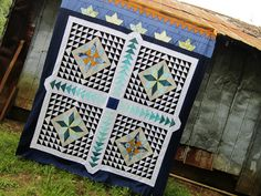 Tangential, a cumulative queen-sized quilt by StitchedInColor, via Flickr