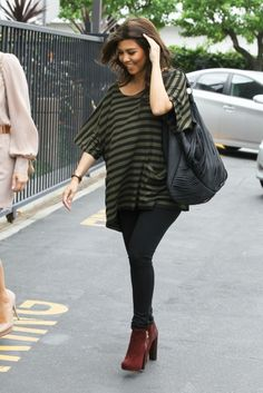 Kourtney Kardashian looking great!