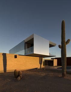 STAAB Residence – A Complex Structure Designed by Chen + Suchart Studio