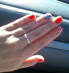 Another shot of the American flag inspired nails! So patriotic. Perfect for memorial day or 4th of July!