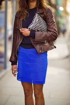 Bold blue looks even brighter with a brown leather jacket #streetstyle