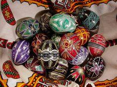 How To Make Pysanky (Ukrainian Easter Eggs)