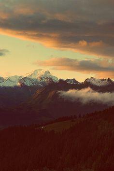 (mountain,clouds,landscape,nature,sunset,photography,beauty,beautiful,creation)