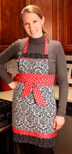 love this apron...gathered on the top...tutorial
