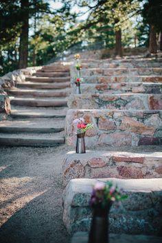Boulder Wedding | Sunrise Amphitheater | SImple Flowers