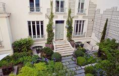 rue de l'Université | Paris Property Group