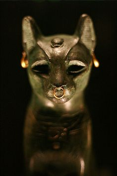 The British Museum-Ancient Egyptian Cat by AKinsey Foto, via Flickr