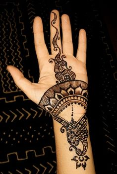 Peacock Mehndi Style i would never ever get this but i still think it looks really cool