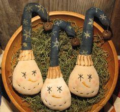 Crooked Hat Snowman Tucks Epattern by Olde Annie Primitives