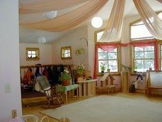 waldorf classroom.... ooooohhhhhh, those curtains!