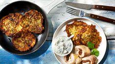 Uda kurczaka faszerwoane fetą i miętą z greckimi plackami z cukinii. Kuchnia Lidla - Lidl Polska. #Okrasa #lidl #uda #feta #mięta