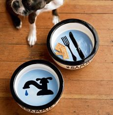 Food and water pet bowls. Soo Cute - must do this for Tati