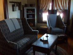 prim living room...