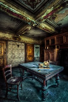 Living room with bread cutter in an old abandoned house