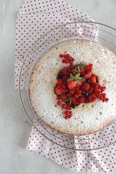 Victoria Sponge Cake & Confit de Fraises