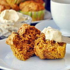 Pumpkin Spice Muffins with Maple Cream Cheese - incredibly moist and fragrantly spicy Fall season muffins, made even better with maple infused cream cheese spread. Apologies for the pin earlier with no link. Pinterest seems to have tech issues today.