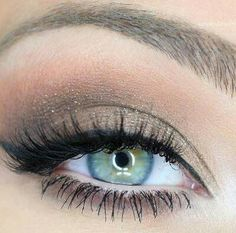 good idea for green eyes, simple look!