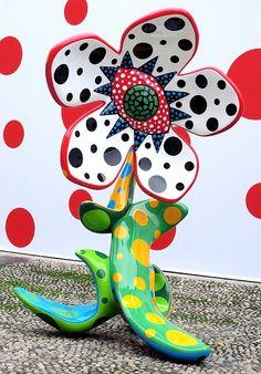 草間彌生 Yayoi Kusama by Freedom Men Art artists, yayoi kusama, bw polka, polka dots, flowers, sculptur, men art, kusama art, art instal
