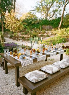 Table runners lengthwise. Vintage amber color glasses. Design By David Pressman Events, photo by Aaron Delesie