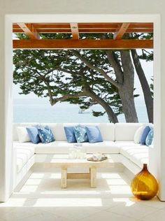 Outdoor living room. LOVE