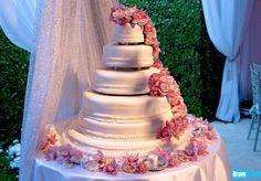 Pandora (Vanderpump) Todd's wedding cake - Real Housewives of Beverly Hills Season 2