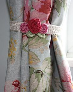 Rose Ties by Sandra Paul
