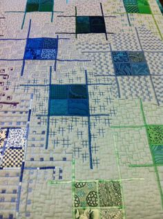 """Keep experimenting Vine with the target to learn how to show a quilt in a loop, today I am taking the opportunity to vine """" Gridlocked"""" by Sheena Norquay on https://vine.co/v/Ozgij9gd0br"""