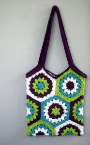crochet hexagon market bag - Pinning for the hexi pattern, I love it!