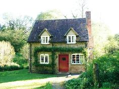 Cute guest cottage