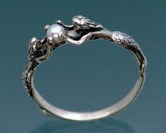 mermaid/pearl ring