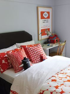 Short on space? Place a small desk adjacent to your child's bed and you'll have both a desk and nightstand. For more kids room decorating and organizing ideas visit https://www.facebook.com/KidsRoomDecor you may find something you 'LIKE'