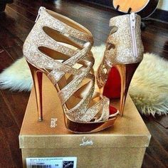 Perfect Christian louboutin high heels!