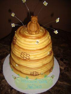 classic winnie the pooh behive cake