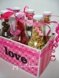 Candy Gift- 24 Cute and Easy DIY Valentine's Day Gift Ideas