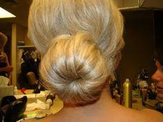 MUST KNOW TRICK! The Sock Bun/Sock Bun curls - Beauty & Health - Project Wedding Forums bunsock bun, bun curl, sock bunsock