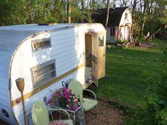 retro trailer, barn sale, camper area, white femal, nelli barn, barns, seek fun, singl white, vintag camper
