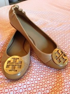 love these Tory Burch Reva Serena Tan Snakeskin