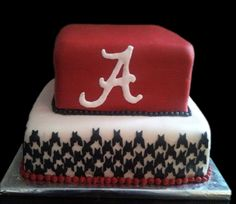 roll tide.  Football Birthday cake photos. The best football cakes on Pinterest and the best football cakes on the web! Football cake ideas such as Football Stadium cakes, football field cakes, football helmet cakes, and football logo cakes. #football #cakes #gifts