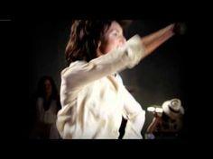 Maroon 5 ~ Adam Levine~Move Like Jagger...
