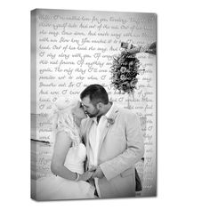 A canvas makes a great gift! You can use it as a guest book to collect signatures, a present for the father of the bride or mother of the groom, or even a canvas from your photo booth to remember your guests. Other ideas are vows, first dance lyrics, custom colors, retouching, Honeymoon photos and much more.