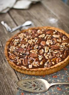For salted caramel lovers out there, here's a Salted Caramel Roast Nut Tart recipe! This tart has a great walnut, pecan, and salted caramel filling. It would make a wonderful fall dessert for your family!