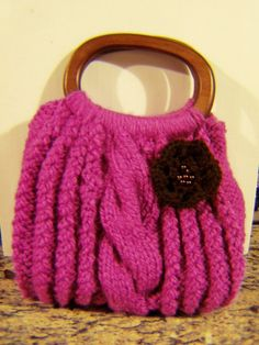 Cable knit purse - change color and broach, Like the handles!