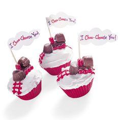 V-day cupcakes. I choo choose you