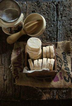 Lemon Shortbread  via Une Gamine dans la Cuisine #recipe