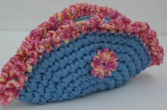 Crocheted clutch bag. Crochet clutch purse. Blue bag. T-shirt yarn.  Bolso de trapillo.
