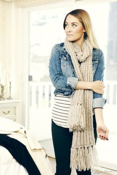 Lauren Conrad's tips on how to wear layers {love this cozy fall look}