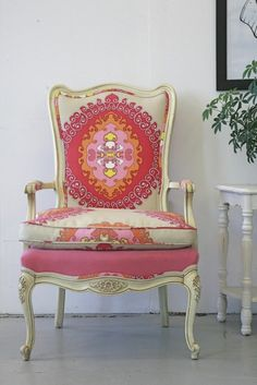 Love the mix of upholstery on this chair